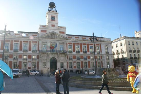 Puerta del sol picture of reloj de la comunidad de for Reloj puerta del sol madrid