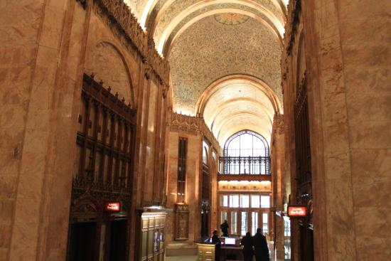 Woolworth Building: Views of the lobby