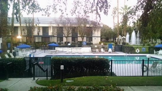 View From Room - Picture Of Four Points By Sheraton Bakersfield  Bakersfield