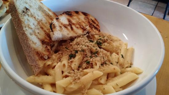 Troy's Cafe: Mac & Cheese