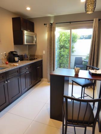Little Paradise Hotel: Complete kitchen