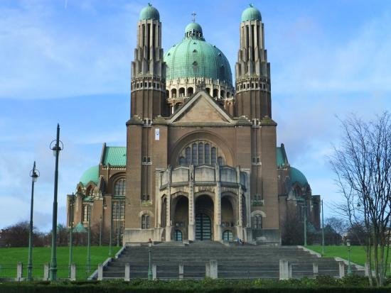 Koekelberg, Bélgica: Vue de face de la Basilique