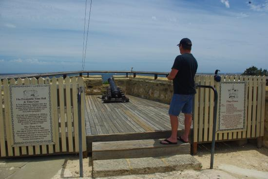 The Fremantle Round House: Discharge the signal Cannon