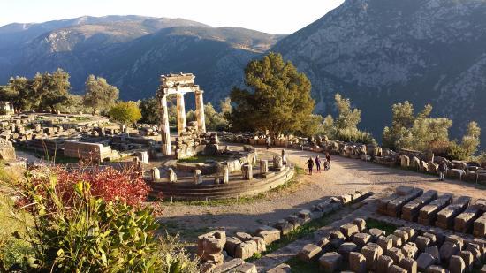 พื้นถนนโบราณ - Picture of Delphi Ruins, Delphi - TripAdvisor