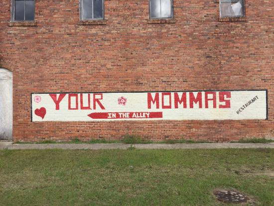 Bamberg, Karolina Południowa: Your Mommas in the Alley