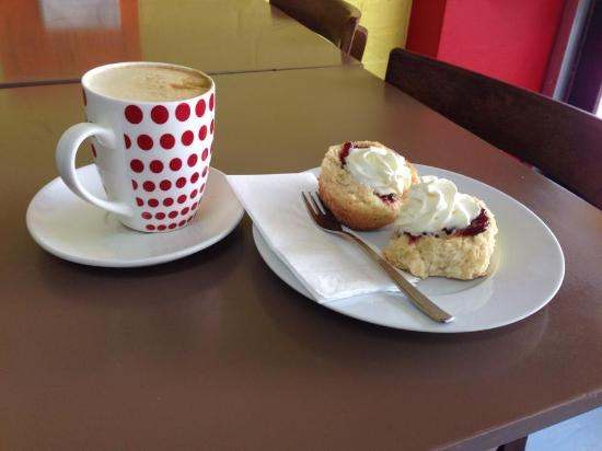 Adelong, Australia: Coffee and scones are always a favourite