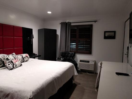 Legend Hotel Hollywood King Bed Room