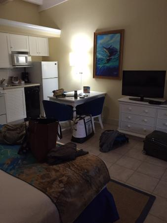 Islander Resort, a Guy Harvey Outpost: View of kitchen