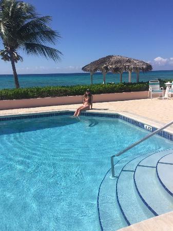 Aqua Bay Club: Pool at Day