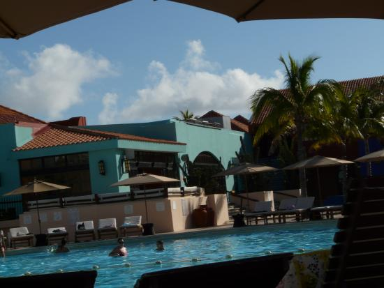 Piscine et bar picture of club med cancun yucatan for Club piscine fitness depot quebec