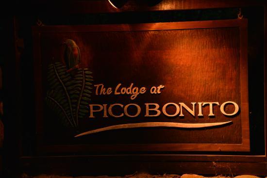 The Lodge at Pico Bonito: sign at the entrance
