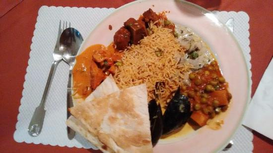Haveli Restaurant : My main course from the buffet...