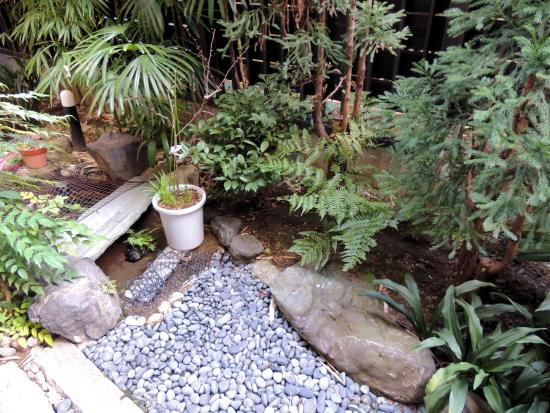 Matsubaya Inn: Garden Outside Room