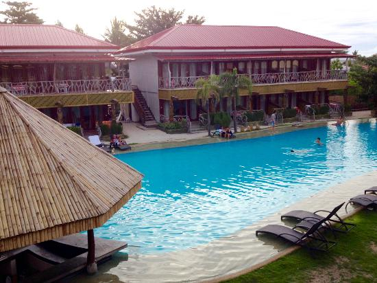 Malapascua Legend: Pool area