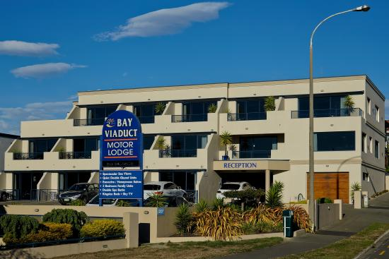 Bay Viaduct Motor Lodge: Exterior