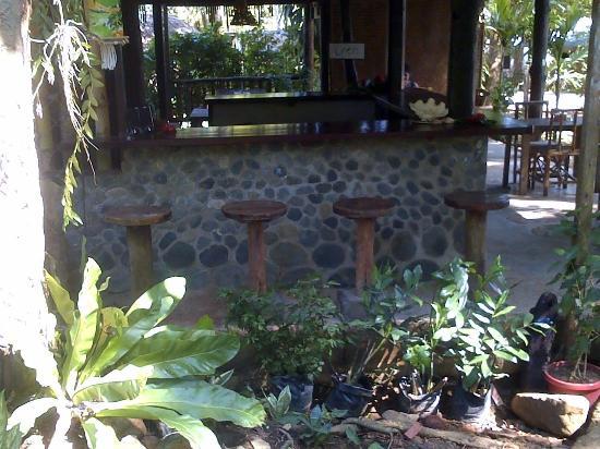 Cafe Sabang Rooms & Cottages: bar