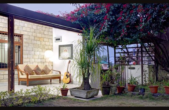 lawn with hangout place picture of temi house homestay service rh tripadvisor co za