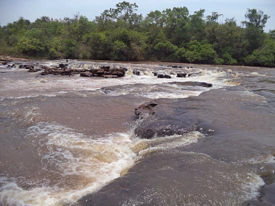 Rochedo: Rio Aquidauana