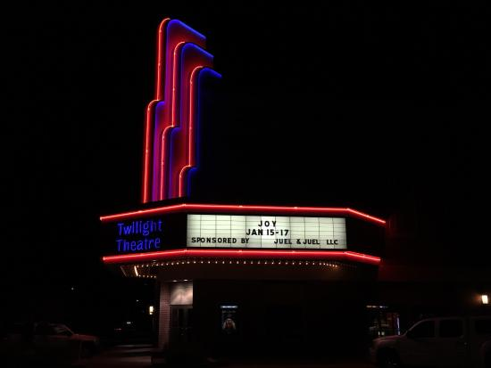 Greensburg, KS: Twilight Theatre
