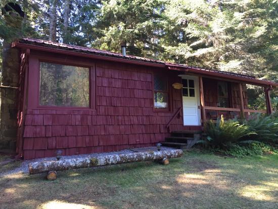 The Lodge Near Mount Rainier : Family Cabin