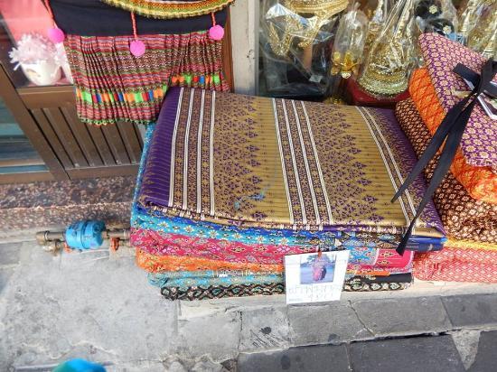 photo0.jpg - Picture of Phahurat Market (Little India), Bangkok - TripAdvisor