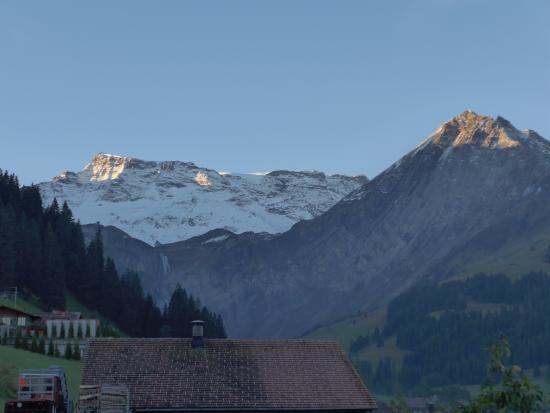 Ferien- und Familienhotel Alpina: Aussicht vom Zimmer