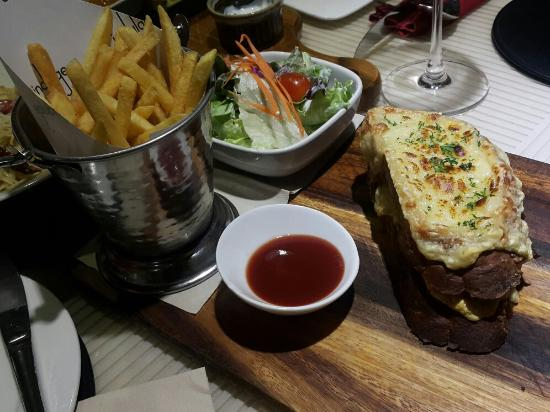 Indulge Fusion Food & Cocktail Bar Photo