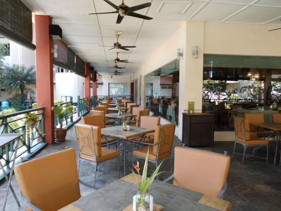 Paka, Malezja: Restaurant outdoor area