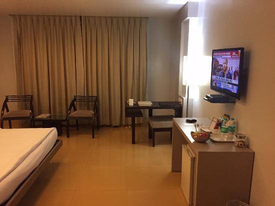 Hotel Kiranshree Portico: Room