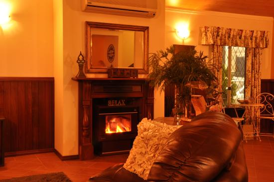 Nannup, Αυστραλία: Hideaway Lodge - Formal Lounge