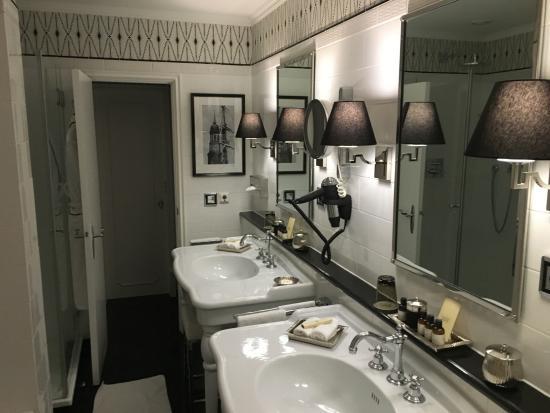Badezimmer in der Suite 511 - Bild von Fairmont Hotel Vier ...