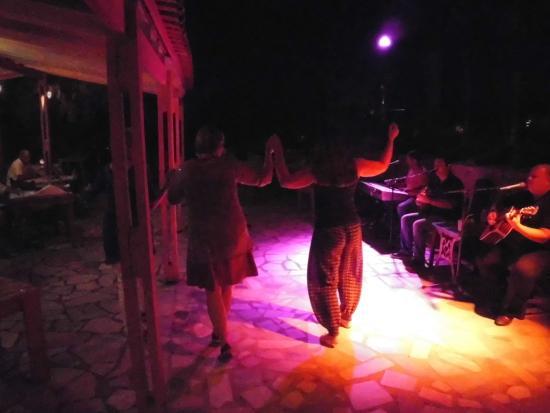 Lentas, Греция: Griechischer Abend mit Livemusik