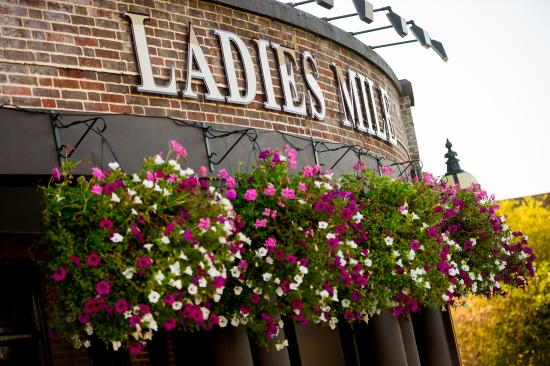 Ladies Mile Pub