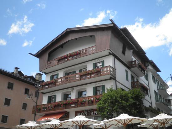 Hotel Montana : ホテルの外観