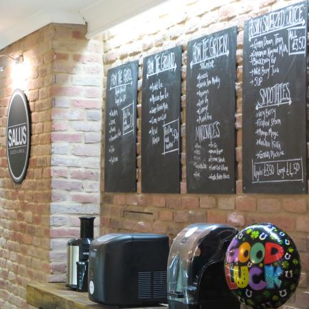 Denton, UK: Salus Juice & Grill