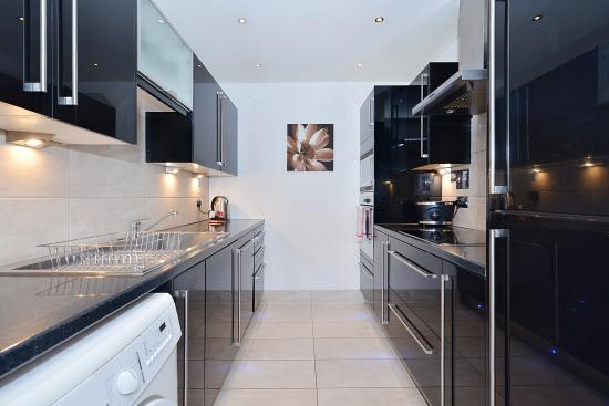 Point West Apartments by Crown Lawn: Kitchen