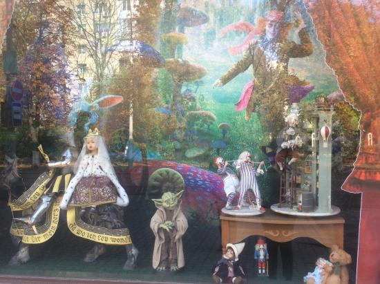 Dolls Gallery