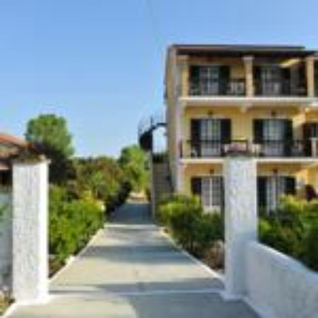Potamos Apartments