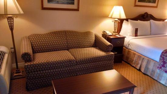 Music Road Resort Inn: sitting area in room