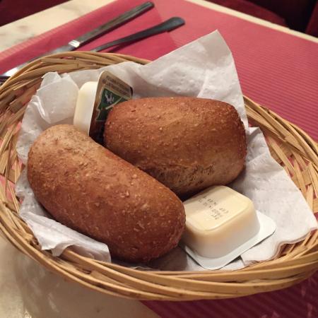 Le Falstaff: 注文したパン
