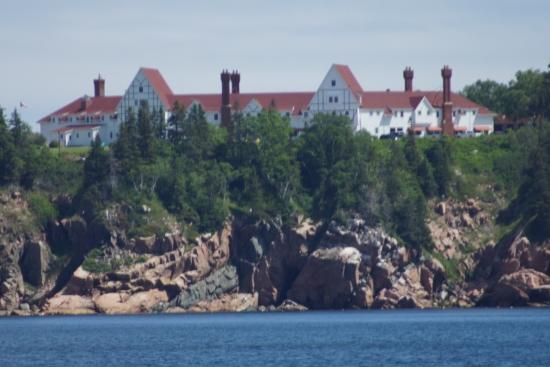 Keltic Lodge Resort & Spa: Across the Bay from the Beach to the Keltic Lodge