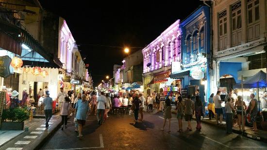 مدينة بوكيت, تايلاند: Sunday Walking Street Market (Lard Yai)