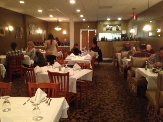 Medina, Nowy Jork: Zambistro - dining room