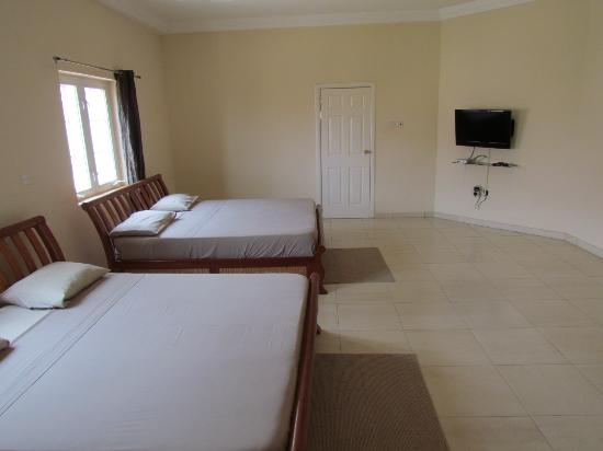 Bedua Home Suites : Master bedroom