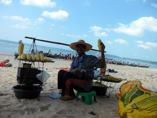 Krabi La Playa Resort: Mr Chi who sells the food great character