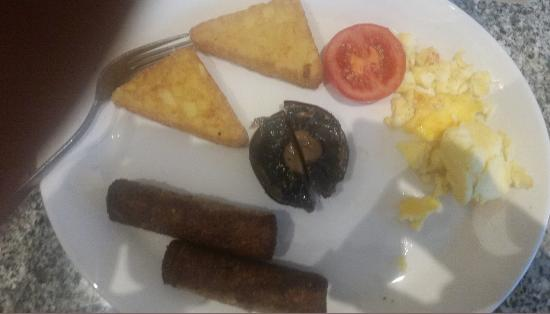 Harvester Westgate : Unlimited breakfast... limited only by chefs abilities to cook and read an order  it seems