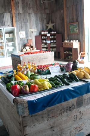 Shelbyville, KY: fresh produce, meats, honey, eggs, etc from 10+ local farms