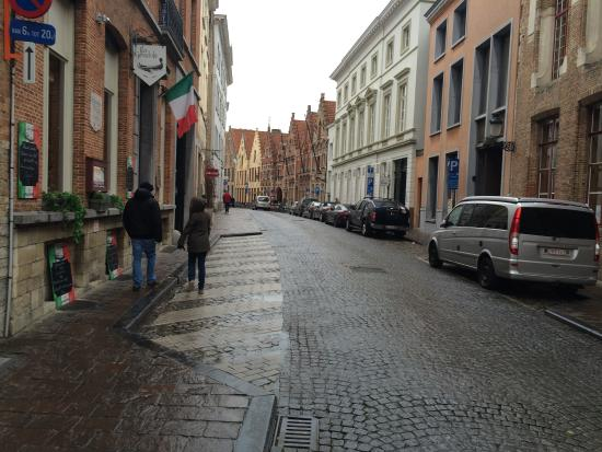 Hotel 't Voermanshuys: The street in front of the hotel