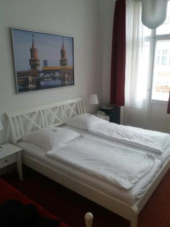 Hotel-Pension Bregenz: 20160111_133659_large.jpg