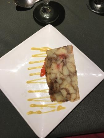 Spring Garden Seafood & Steakhouse: Bread pudding, brown stew fish